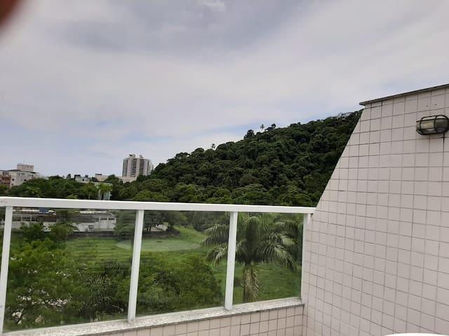 Praia da Enseada-Cobertura com piscina privativa