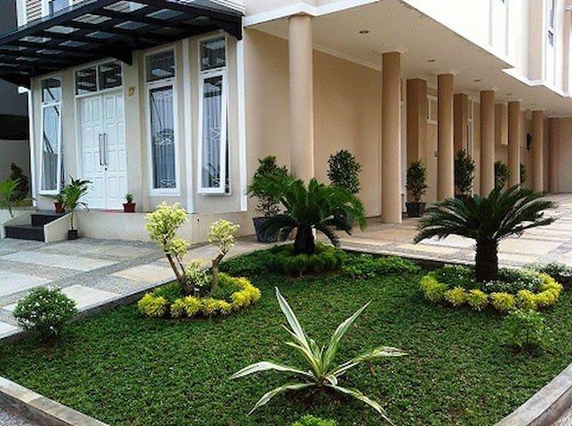 C&C Dormitory Dekat UPH Karawaci