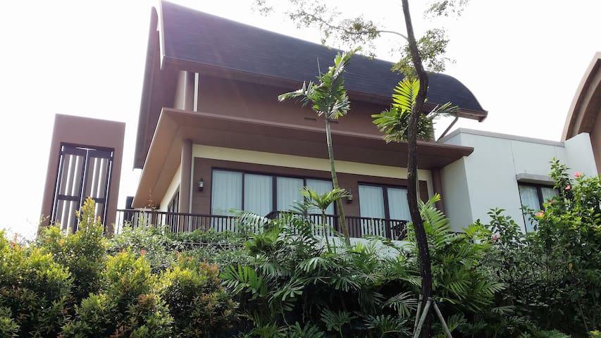 Pangrango Villa@Vimala Hills