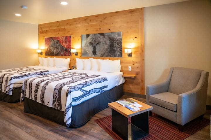 Comfortable, Bright, Clean Suite | Base of Tunnel Mountain
