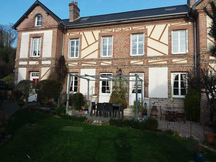 Saint Denis d Aclon la maison du pêcheur
