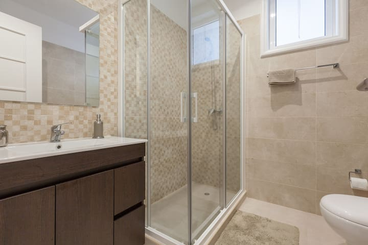 1st Bathroom with good pressure shower