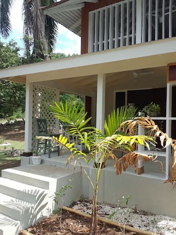 Private cottage in luxury Resort area Rose hall.
