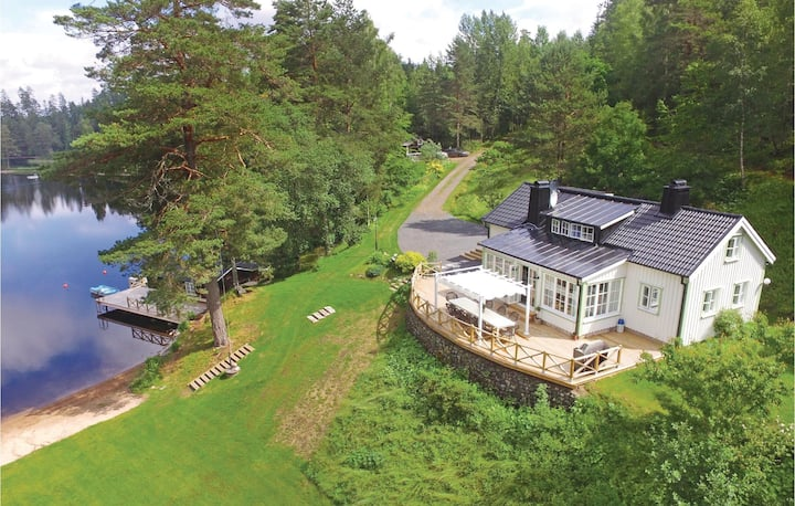 Nice home in Bottnaryd with Sauna, WiFi and 5 Bedrooms