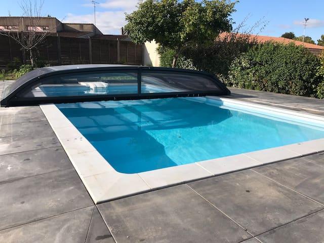 Chambre de 20m2 avec piscine