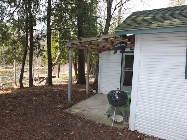 Sleeping Bear Riverside Cabins - Cabin #5