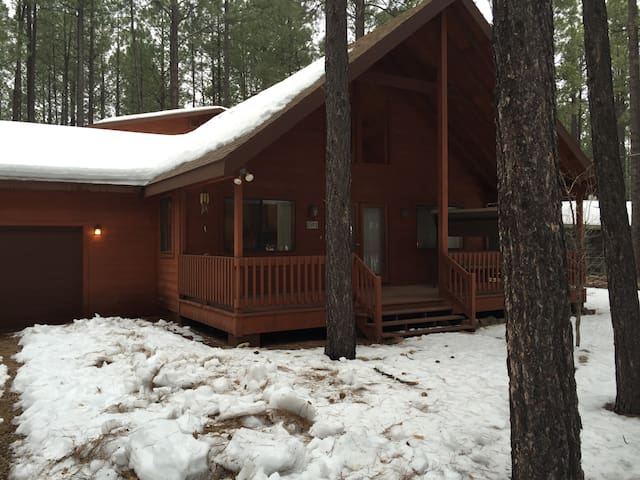 Large (over 2000sqft) Cabin in Pinetop/Lakeside CC - Navajo County - Hus