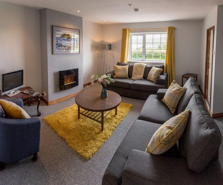 Milestone House: Dingle Bay Suite