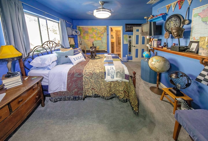 Traveler's Room at Leaping Lizards Creek House