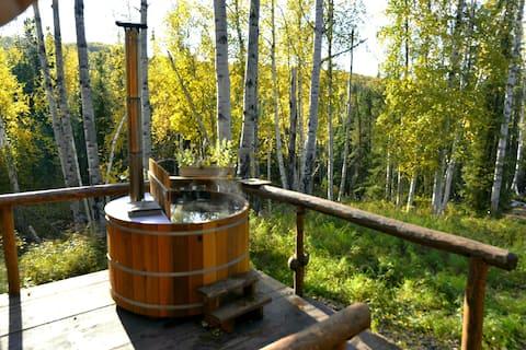Off-Grid Cabin on 100 Acres w/ Cedar Hot-Tub&View