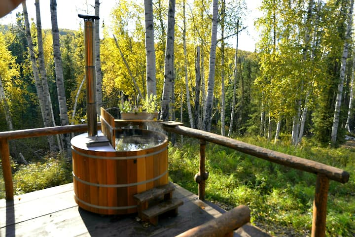 Off-Grid Cabin on 100 Acres w/ Cedar Hot-Tub&View