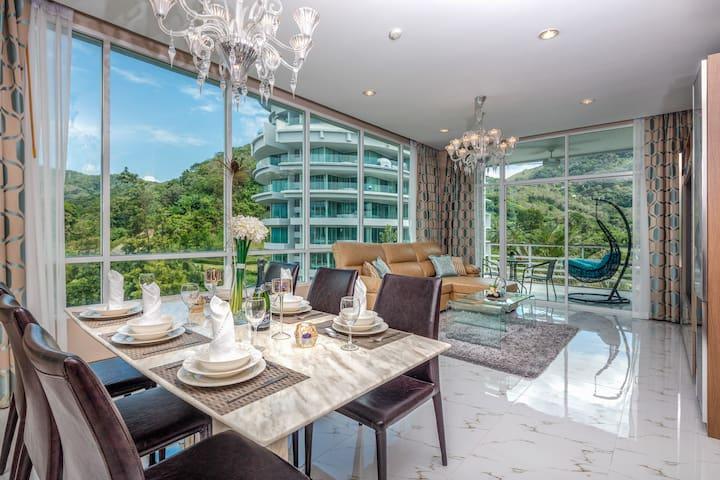 Luxury Mountain view 1 Bedroom Apartment @ Karon