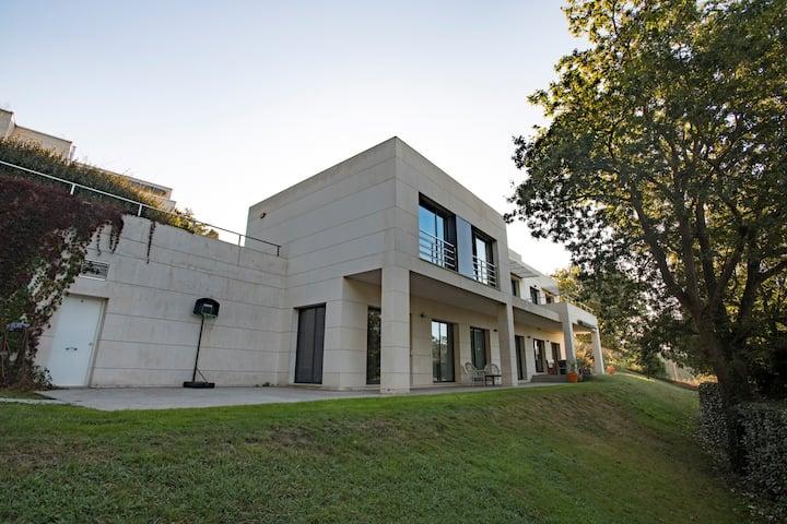 Fantástica villa en Somió, Gijón