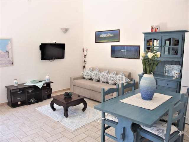 "Modern Holiday Apartment ""Casa Pastello"" With Wi-Fi & Terrace; Parking Available"