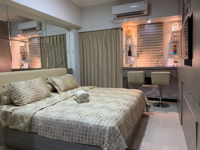 Homy Studio at Orchard Pakuwon Mall +wifi+netflix