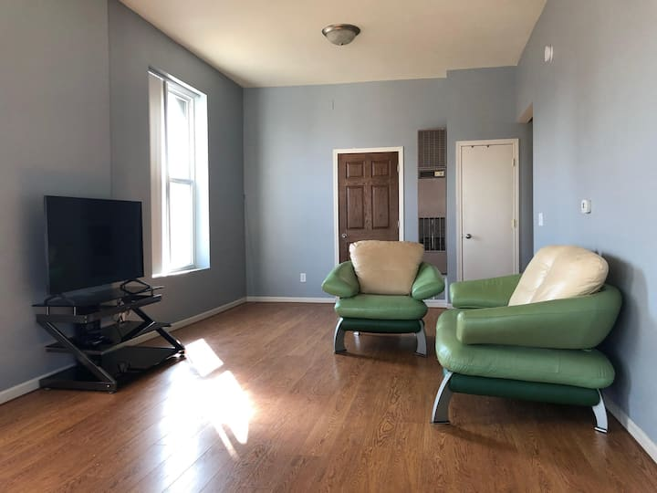 Spacious,elegant 2BR apartment in Dubuque Downtown