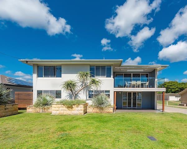 Deluxe Beach House