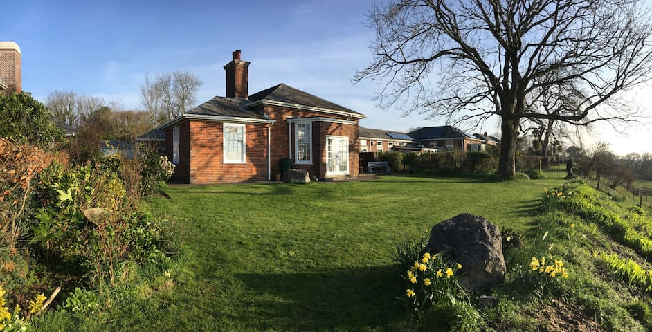 Family home on the edge of Dartmoor National Park - Moorhaven - บ้าน