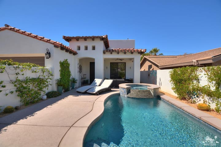 Desert Escape! Gorgeous Home with Pool/Spa/Views!