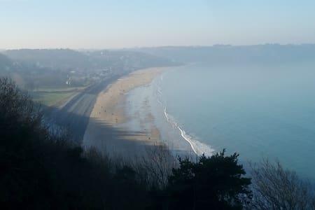 maison calme et proche de la mer et de la campagne - Tréméloir