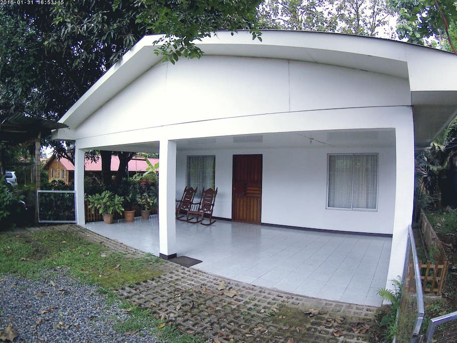 Equipped house for rent in la fortuna houses for rent in for Rent a house la