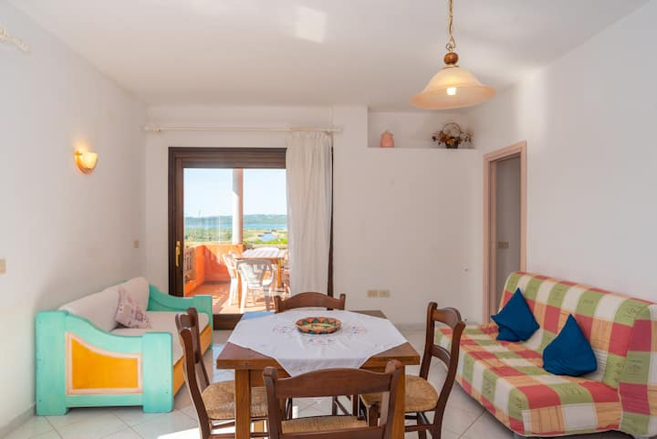 """Homely Apartment """"Conchiglia Rosa"""" with Garden, Sea View & Wi-Fi; Parking Available"""