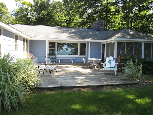 Lake Michigan Accessible Cottage, Private Beach