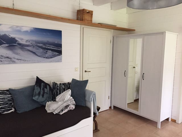 Schönes Appartement mit Terrasse & extra Eingang