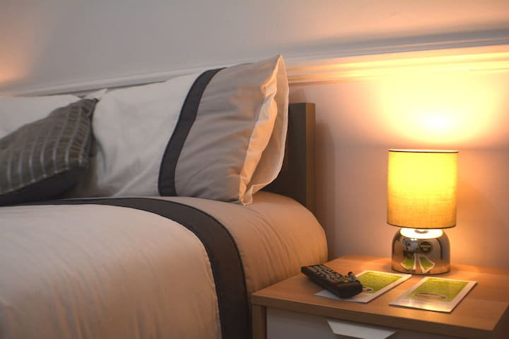 (1) Private Room, 20 Mins to London - Ideal 4 Work