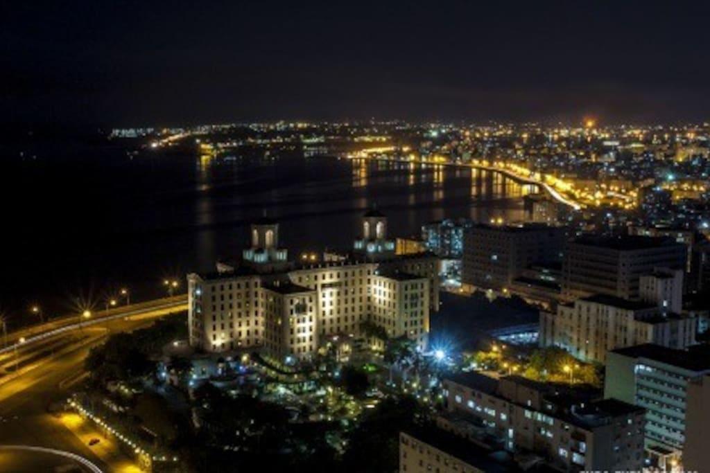 Vista Nocturna desde el Apartamento