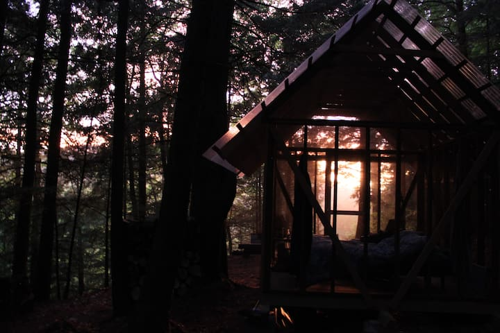 Open-Air Cabin with View // farm glamping - Brookline - Cabin