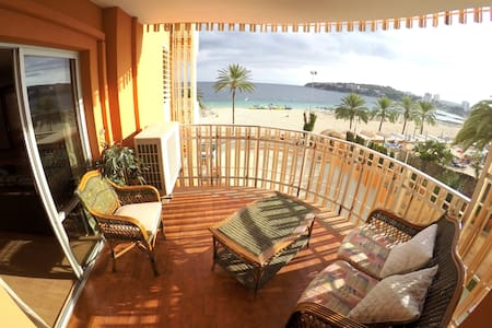 1º line large apartment on the beach with seaviews - Calvià - Wohnung