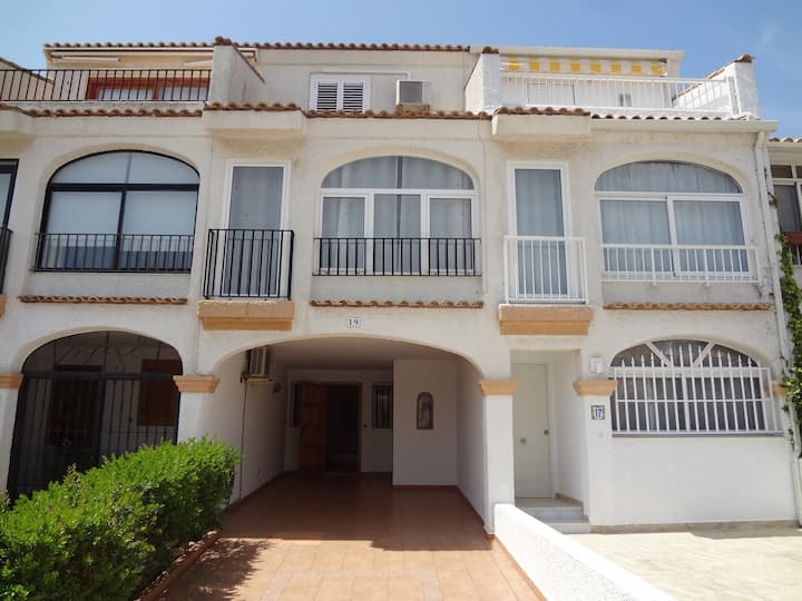 R94-HOLIDAY HOME ON URB. GRAN VISTA, GRAN ALACANT