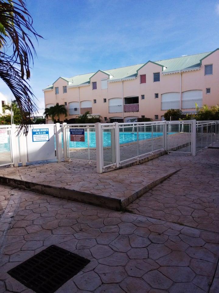 Appartement avec piscine au coeur de St François