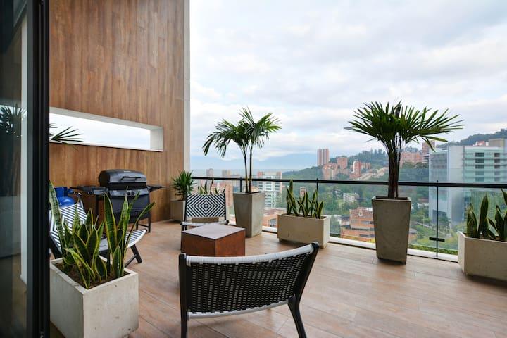 ✪Energy 1103: Balcony Apt in Luxury Building✅