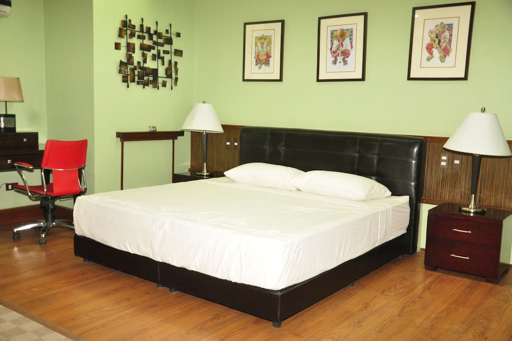 Poblacion Suite room