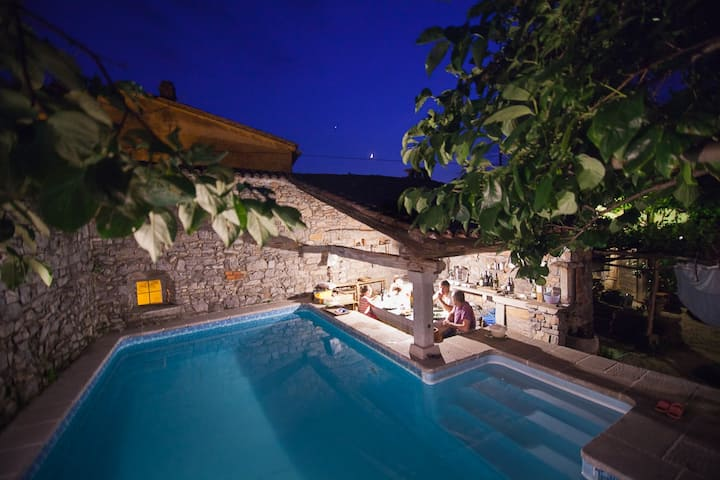 Old traditional Karst house with swimming pool