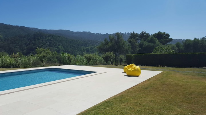 Charming Chalet in Colares, Sintra