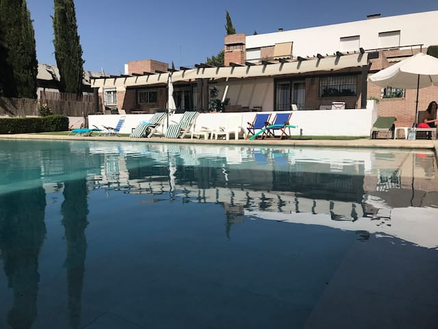 Cozy Golf Pool House - Granada 12Km from Downtown