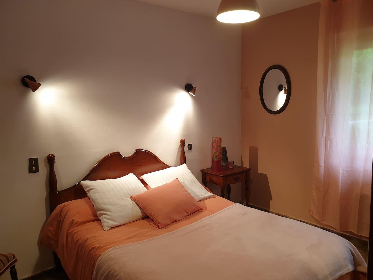 chambre N°1 avec 1 lit pour 2 personnes en 140
