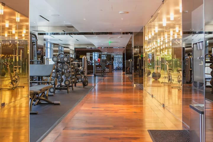 Cosmo's fitness center