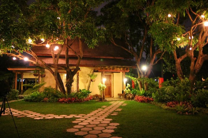 Bale Balayan Honeymoon Suite - PH - Bed & Breakfast