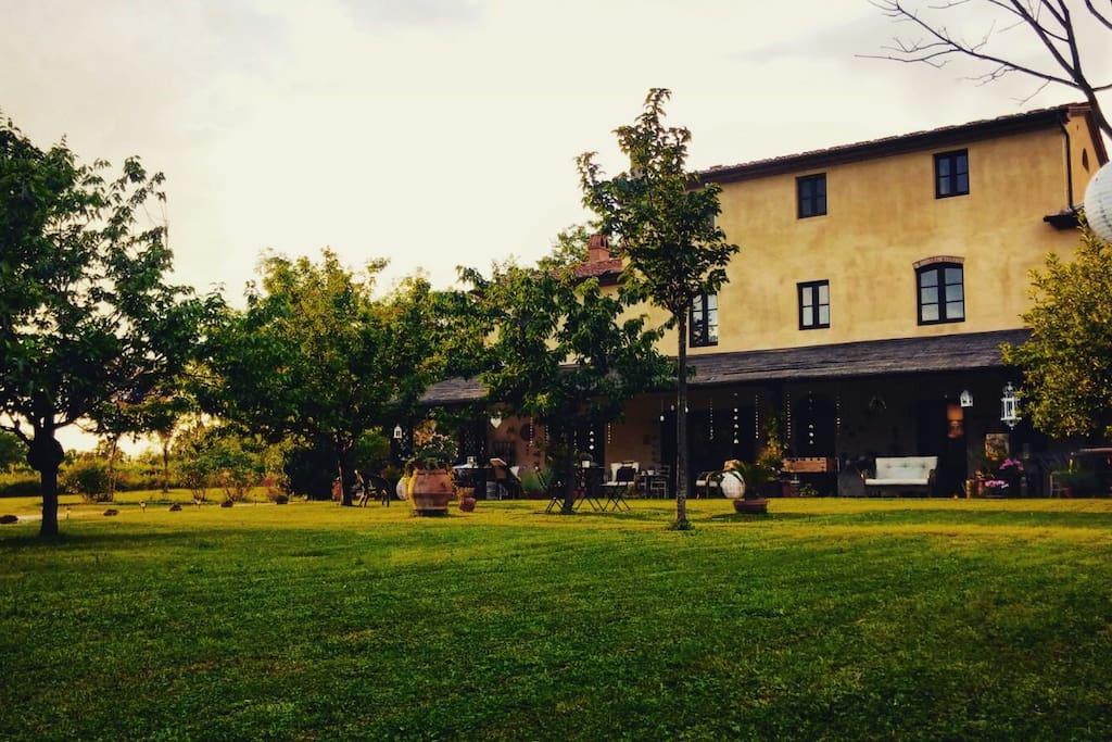 Villa patronale del 1600 - Vista frontale del Casale