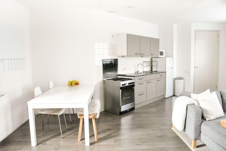 Luxurious 67 m2 Private Apartment - White & Clean
