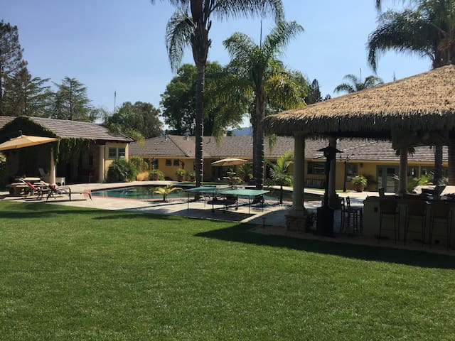 Tropical Paradise Private Estate Sits On 1.4 Acres - Atherton - House