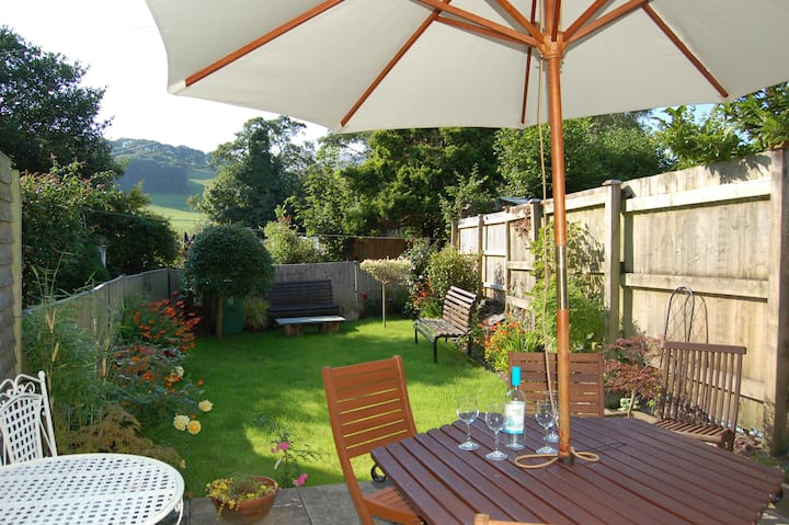 BRONHAUL VILLAGE RETREAT COTTAGE, PENNAL SNOWDONIA