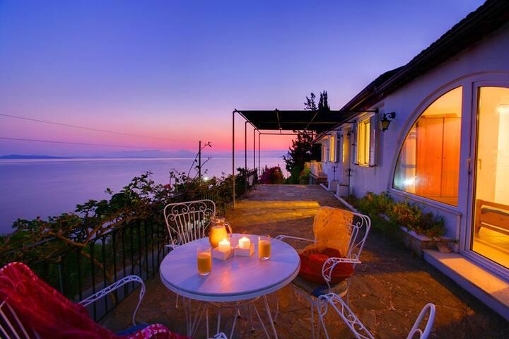 Villa Nitsa - the best location on Ithaca