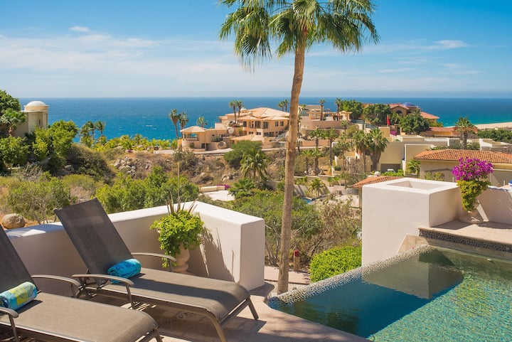 Private Retreat in Pedregal w Views: Villa del Sol