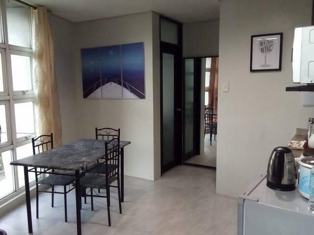Lahug Cebu City - Corner unit - 2 bedroom