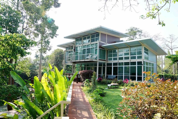10 pp+ private villa nearby KhaoYai natural creek
